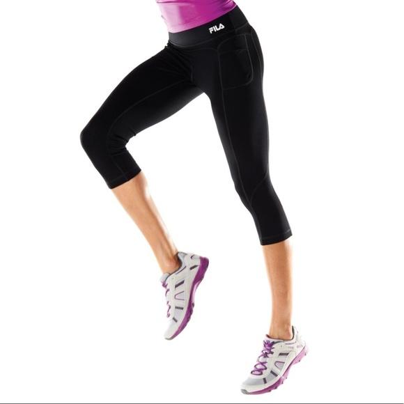 88925aeeb49 NWT Fila Sport skimmer yoga capris Sz L grey